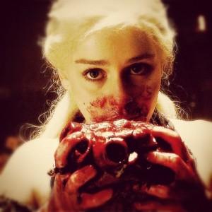 daenerys eats horse heart